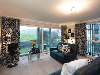 Luxury 2 bed views and parking, Edimburgo