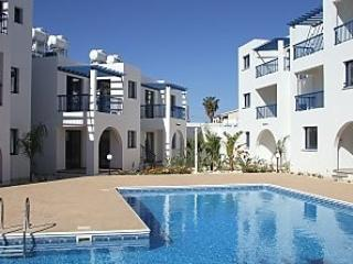 DIANA 52 Ground floor apartment with WiFi. SAT TV, Paphos