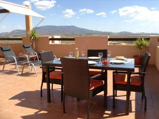 Sun Terrace - 5 bedroom apartment sleeps up to 10, Alhama de Murcia