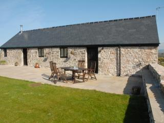Pen Fistla Barns, holiday rental in Monknash