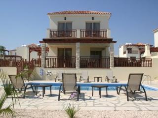 fantastic villa Garlands