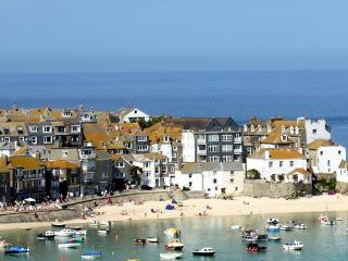 Large apartment with sea views, St. Ives