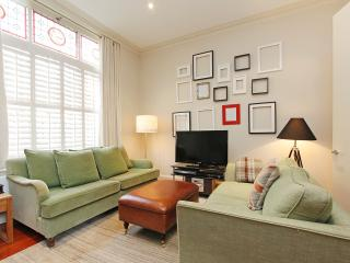 Your Place in Little Venice is a stunning apartment near Paddington