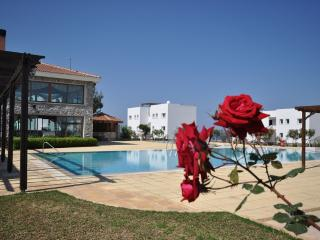Crystal Bay Marina - Garden Apartment, Esentepe