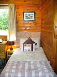 2 comfortable twin rooms