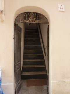 Independent entrance and private stairs