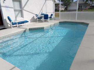 SUPER 4Bed Villa With Games Rm & South Facing Pool, Davenport