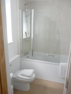 Ensuite bathroom for twin bedroom