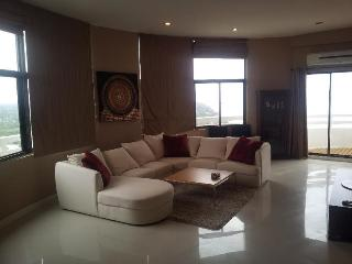 VIP Beachfront Penthouse, Hua Hin