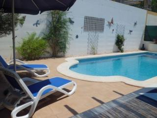 2 Bed villa, FREE Wi-Fi, Private Pool, Air Con