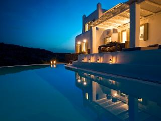 Hermione - A Stylish Villa with Private Pool, Mykonos Town