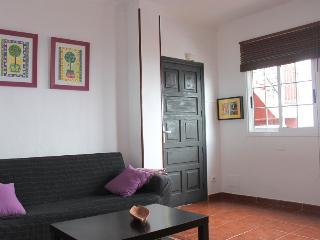 salon y entrada al apartamento