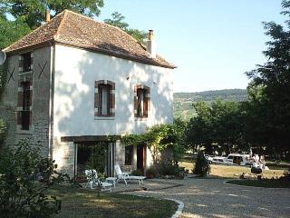 Canal-side gite - Santenay, Near Beaune, Burgundy