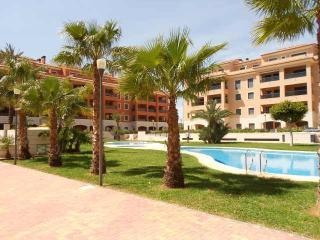Jardinas RED 1bedroom,5 min to beach and citi,WIFI, Denia