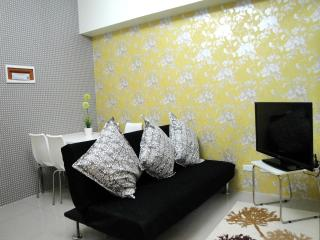chic 2BR Makati with Wifi