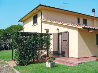 Appartamento indipendente, vista mare, giardino, Casale Marittimo