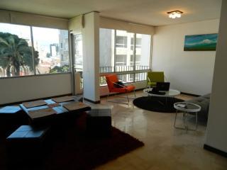 ITSA HOME - Casa del Parque apt 7B, Quito