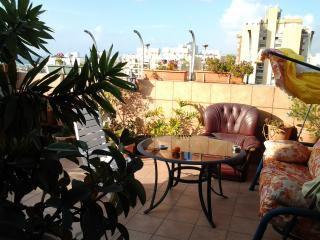 Studio apartment in Ashdod. 7 minutes to the Sea!!