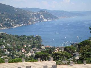 casa mare vicino a portofino, Rapallo