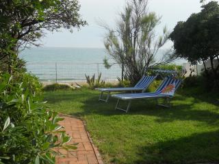 Villino sulla Spiaggia, Home by the Sea, Salto di Fondi