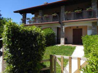 Appartamento con giardino, garage, vicino al golf