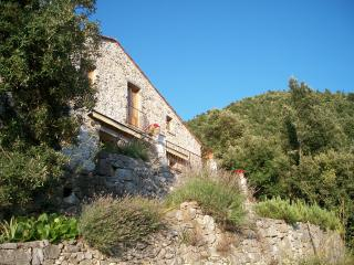 Borgolecaselle - Casa Sottana - beautifully renovated stonehouse with view