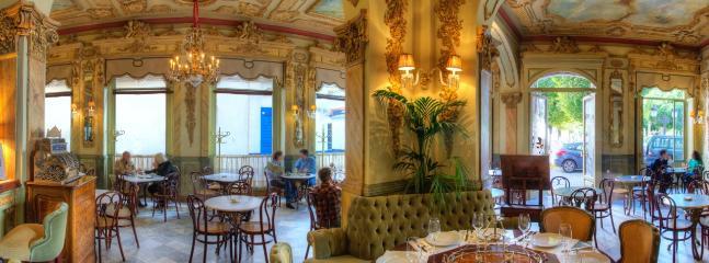 Interior Café Royalty, conservado como cuando fue inaugurado en 1912.