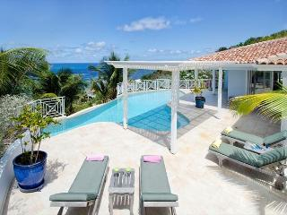 Prana: deluxe and spacious 4 bedroom villa in Dawn Beach | Island Properties, St. Maarten-St. Martin