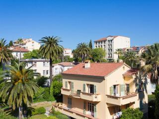 Easy walk to the Le Croisette and beaches, Cannes