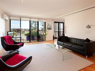 Luxury Beachside Penthouse, Manly