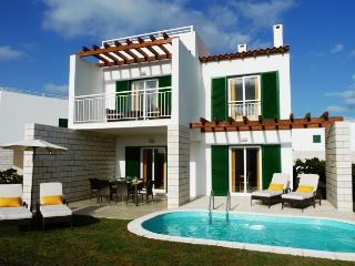Spacious Villa With Private Pool, Just Minutes From The Beach