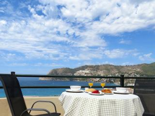 Opazo Beach View, modern apartment in La Herradura