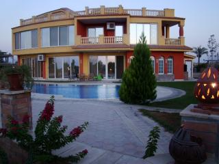 Ofok Compund villa, Caïro