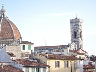 2 bedroom apartment in Florence's historical centre with wi-fi