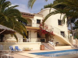 Lovely Spanish villa, private pool, near sea., Moraira