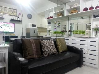 1BR Fully Furnished Condo Unit @ Sea Residences