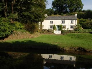 Penpoll Riverside Holiday Cottage near Fowey