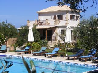 Villa Mimosa, Kypseli