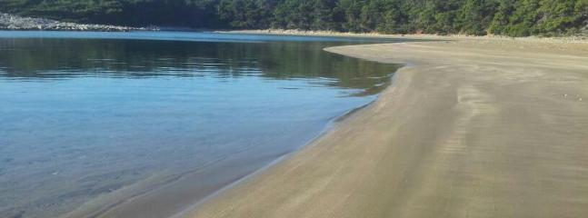 Beach Blace or Limuni