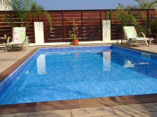 South facing pool & patio area ensuring maximum all day Cyprus sunshine, great for relaxing