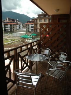 If you are staying in the warmer months you can enjoy breakfast on the balcony a great mountain view