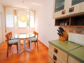 Spacious apartment close to centre, park and beach