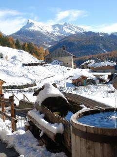 L'une des fontaines du hameau - one of the hamlet's fountain