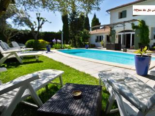 Gite dans vieux mas avec piscine en Provence: Les Platanes