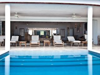 Seascape Villa - Beach Front - 5 Bedrooms