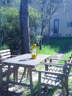 tavolo da pranzo in giardino