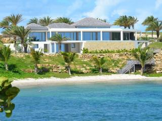Sea Pearl - Beach Front - 6 Bedrooms, English Harbour