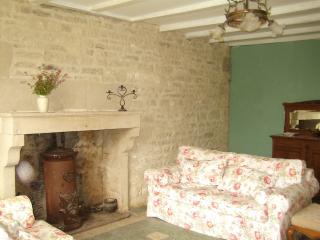 comfy sofas & wood burning stoves. T.V. Sat. Dish & wifi.