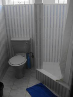 Shower/ toilet