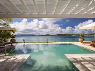 Sea Horse Villa - Beach Front - 3 Bedrooms, Antigua